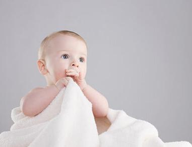 婴儿脸上湿疹症状有哪些