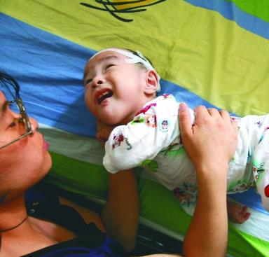 新生儿脑瘫有症状表现吗