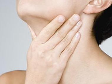 颈椎病对嗓子的危害