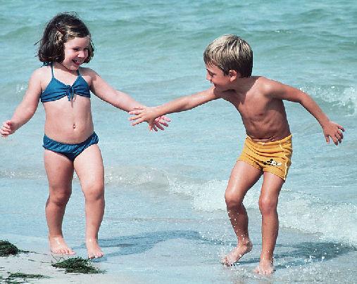 注意孩子假期安全 7月要防手足口病及溺水