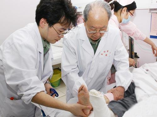 吴孟超:大医仁心 中国肝胆外科之父
