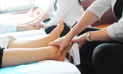 治疗足癣的妙招有哪些呢