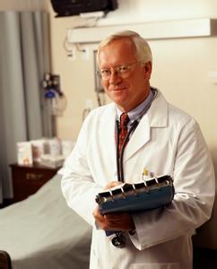慢性咽炎是怎么引起的