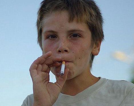 青少年面瘫能抽烟吗