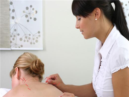 牛皮癣背部挑刺过程介绍