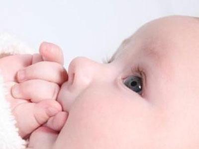 如何给宝宝渐进式断奶