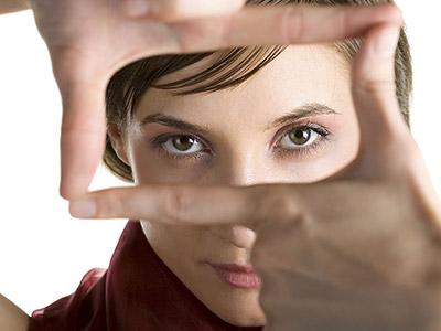 眼周长皱纹预示身体有什么疾病