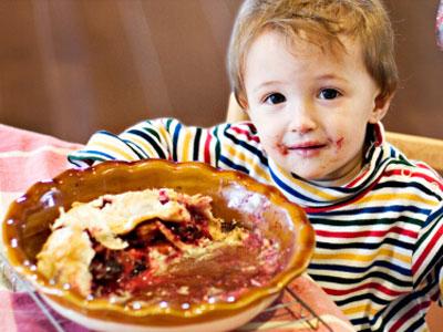 让孩子把碗里的饭吃光对孩子好吗