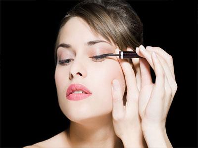 如何化妆能让自拍效果更好