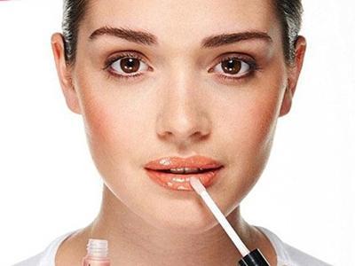 唇部彩妆使用步骤