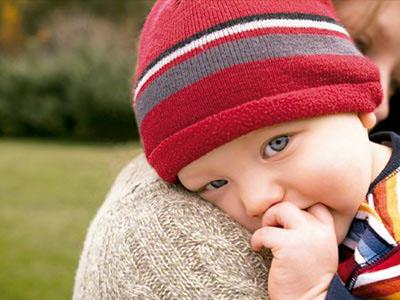 宝宝眼屎多4个原因最常见