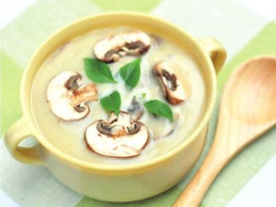 冬季汤汤水水养生需按时间点