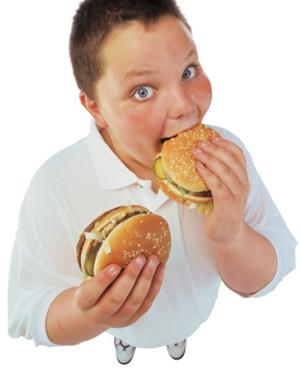 妈妈警惕 吃盐太多是导致儿童肥胖的原因