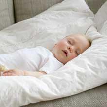 夏季宝宝发烧能吹空调吗?