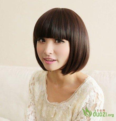 2014妩媚迷人时尚短发沙宣头直发发型图片