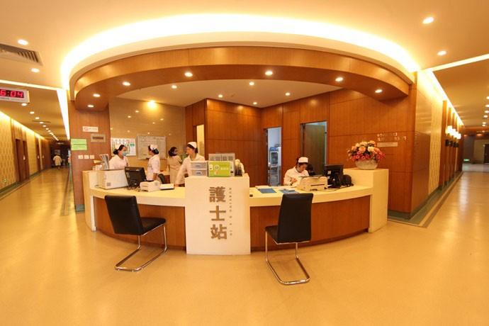 门诊大楼-3楼护士站.jpg