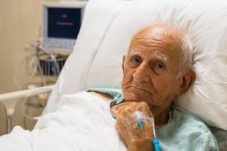 老人肾癌晚期扩散能活多久