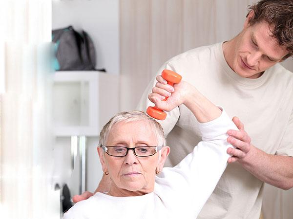 肩周炎患者怎样运动锻炼呢
