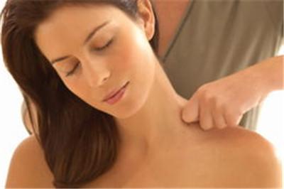 肩周炎该怎么锻炼