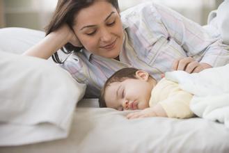 6个月脑瘫宝宝的表现