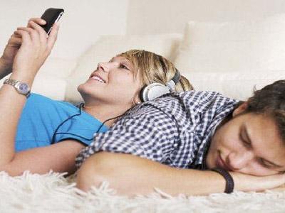 男人和女人怎么样电话调情
