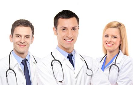 三个医生.jpg